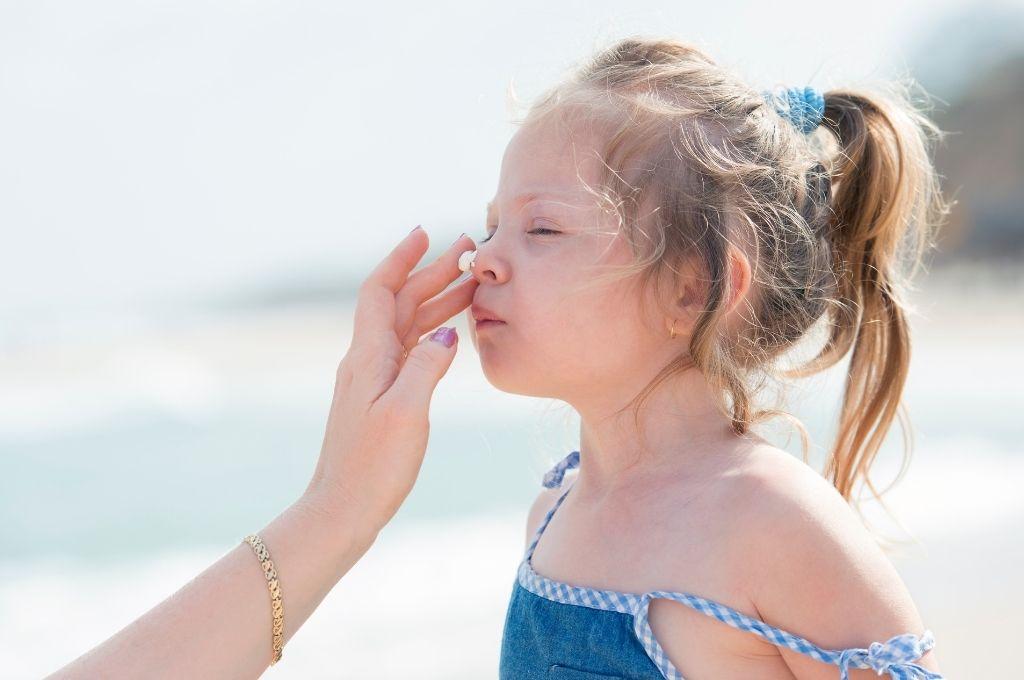 Πώς θα προστατεύσω το παιδί μου από τον ήλιο