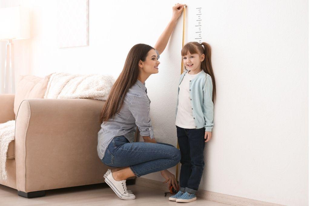 Πόνοι Ανάπτυξης: Γιατί το παιδί σας διαμαρτύρεται για πόνους στα πόδια;